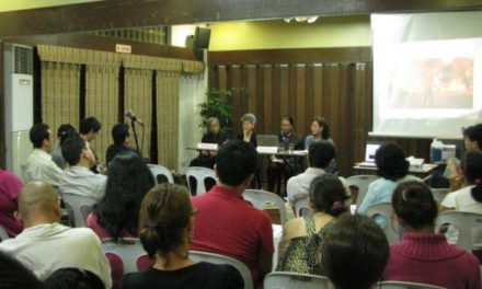 Thai intellectuals grapple with issues of democracy and civil unrest