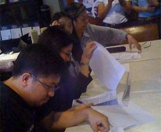 Intl group gives 'EDSA Mo, EDSA Ko' video grants