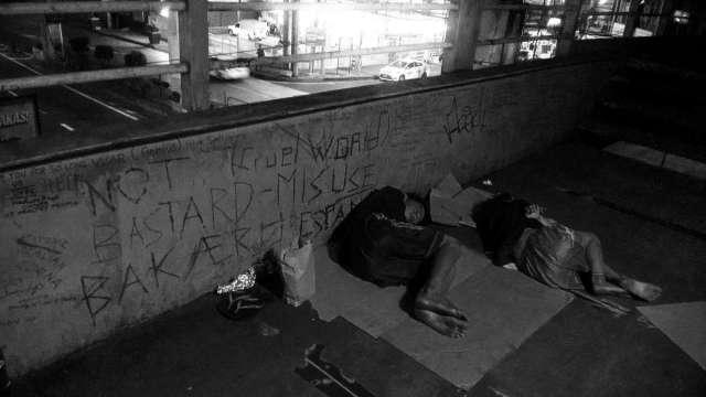 Cruel World. Homeless children sleeping on the EDSA-Guevarra Pedestrian Overpass, Mandaluyong City, Philippines. 2017 February 24.   Photo by Galileo de Guzman Castillo